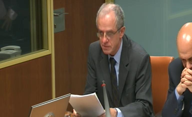 Comparecencia del consejero de Salud en el Parlamento sobre el caso de la niña fallecida de Treviño [102:36]