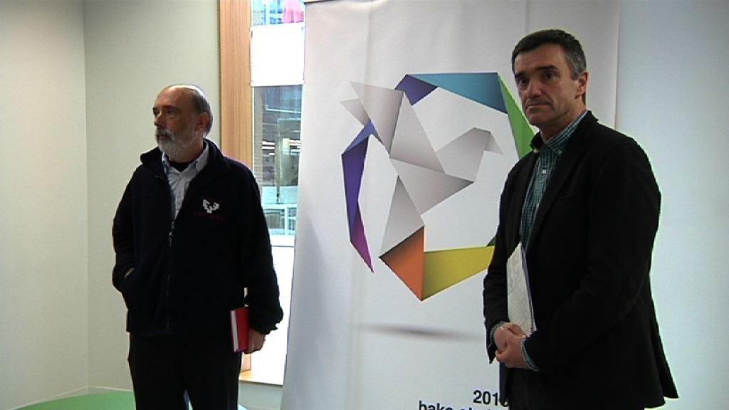 El Gobierno vasco encarga a Francisco Etxeberria la dirección científica de un estudio sobre la tortura [13:02]