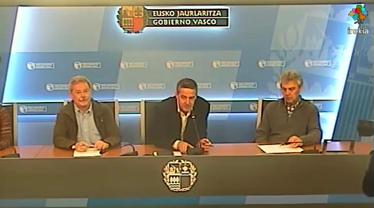 Firma de acuerdo entre Gobierno Vasco y editores de Euskadi para impulsar el préstamo digital en bibliotecas  [31:00]