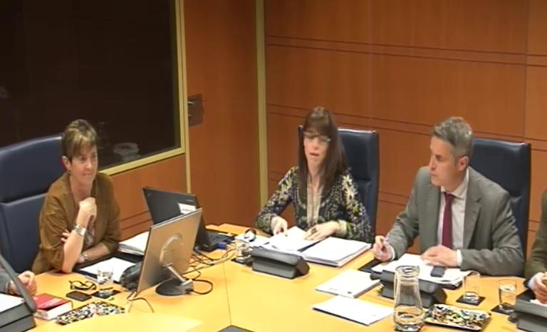 Arantza Tapia presenta el Plan Interinstitucional de Apoyo a la Actividad Emprendedora (PIAAE) en el Parlamento Vasco [137:57]