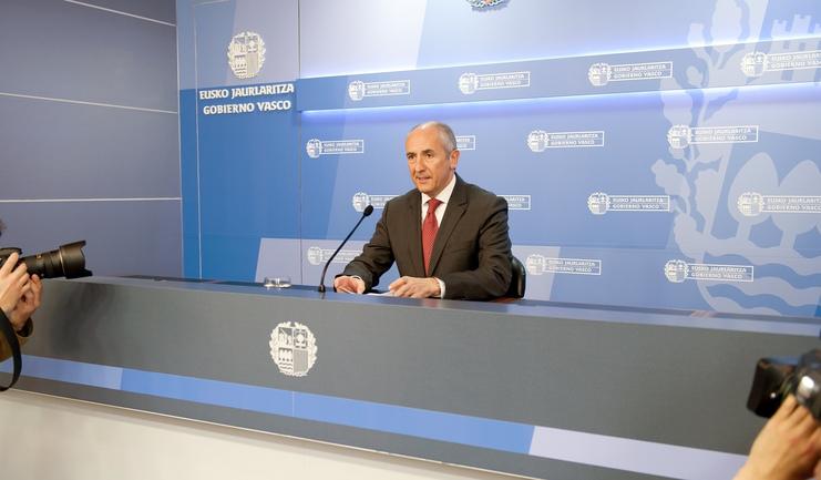 """El Gobierno vasco prepara el Programa Gertu para dar un trato """"individualizado y personal"""" a las víctimas"""