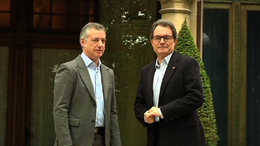 El Lehendakari recibe en Ajuria-Enea al President de la Generalitat, Artur Mas [0:36]