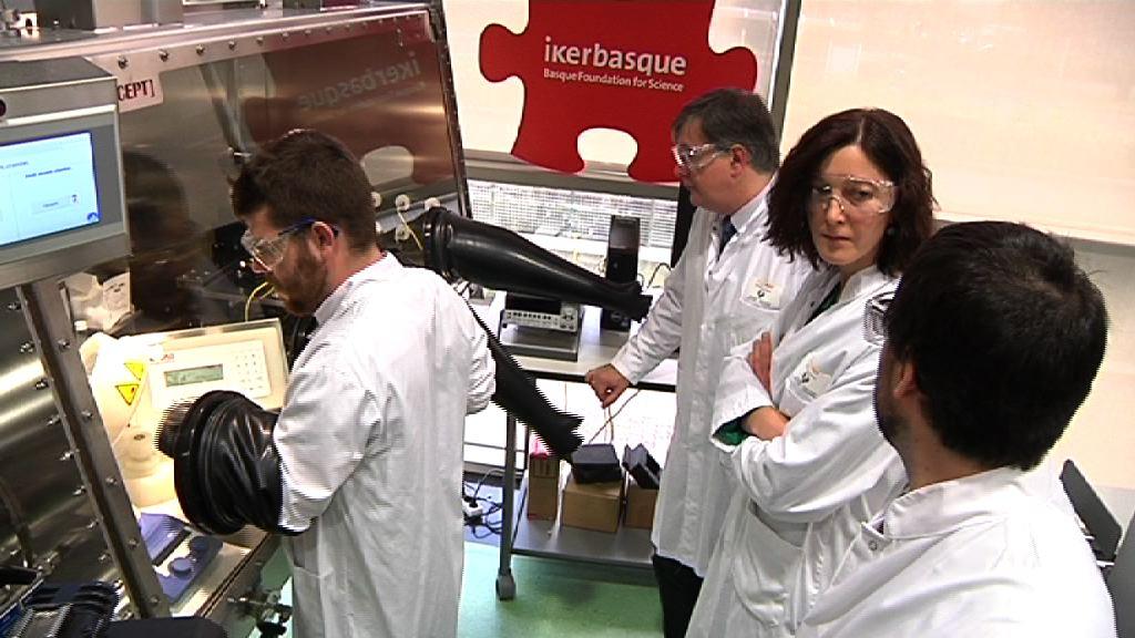 Ikerbasque logra 6.2 millones de euros de Bruselas para la contratación de 50 investigadores que realizarán su labor en Euskadi [8:22]