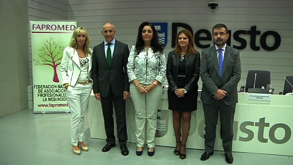 Euskadi a la cabeza de la mediación del estado: en 2013, el 73.25% de los casos se cerraron con acuerdo entre las partes [20:31]
