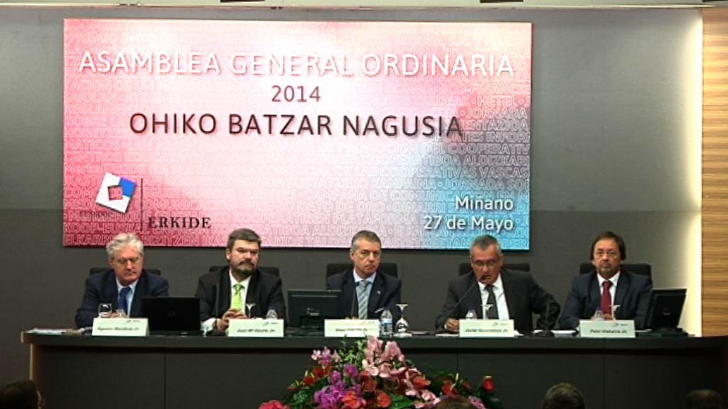 """El lehendakari propone """"una nueva orientación al diálogo social en Euskadi"""" en la Asamblea General de Erkide [5:59]"""
