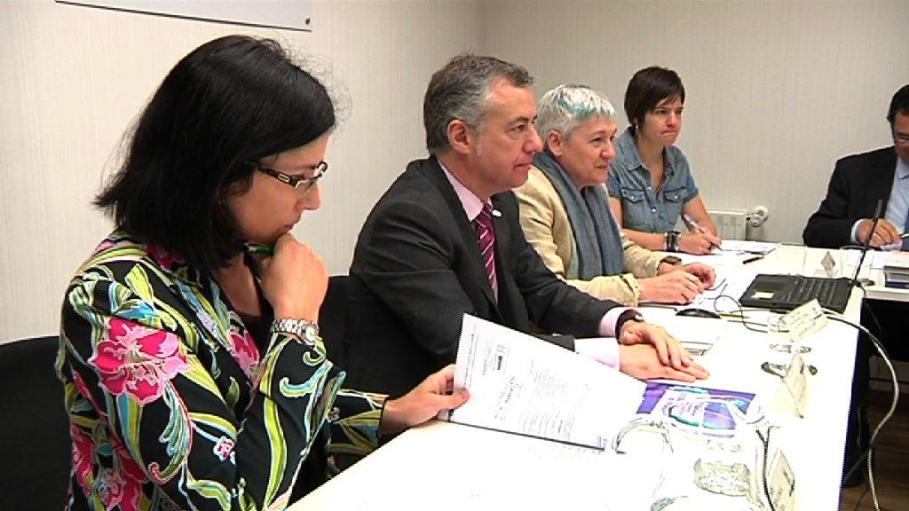 El Consejo de Dirección de Emakunde señala los ámbitos de la desigualdad y presenta los Planes de Actuación del Instituto [0:46]