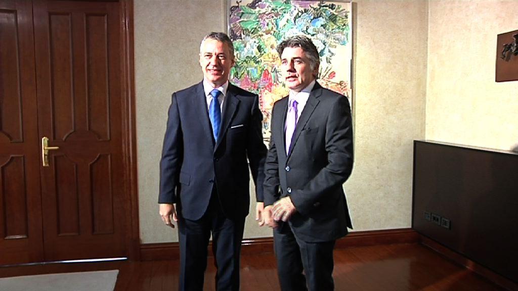 El lehendakari recibe al Delegado del Gobierno de Flandes en Madrid [0:45]