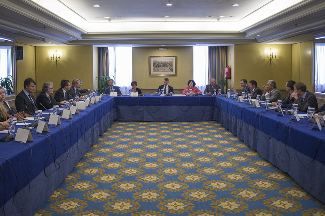 The Lehendakari meets with European Union ambassadors