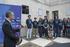 El lehendakari recibe a los jóvenes que participan en el programa 'Gaztemundu 2014'