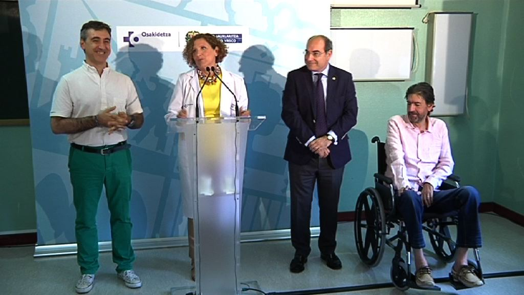 Darpón visita la nueva unidad de Esclerosis Lateral Amiotrófica en el Hospital Universitario de Basurto [7:43]