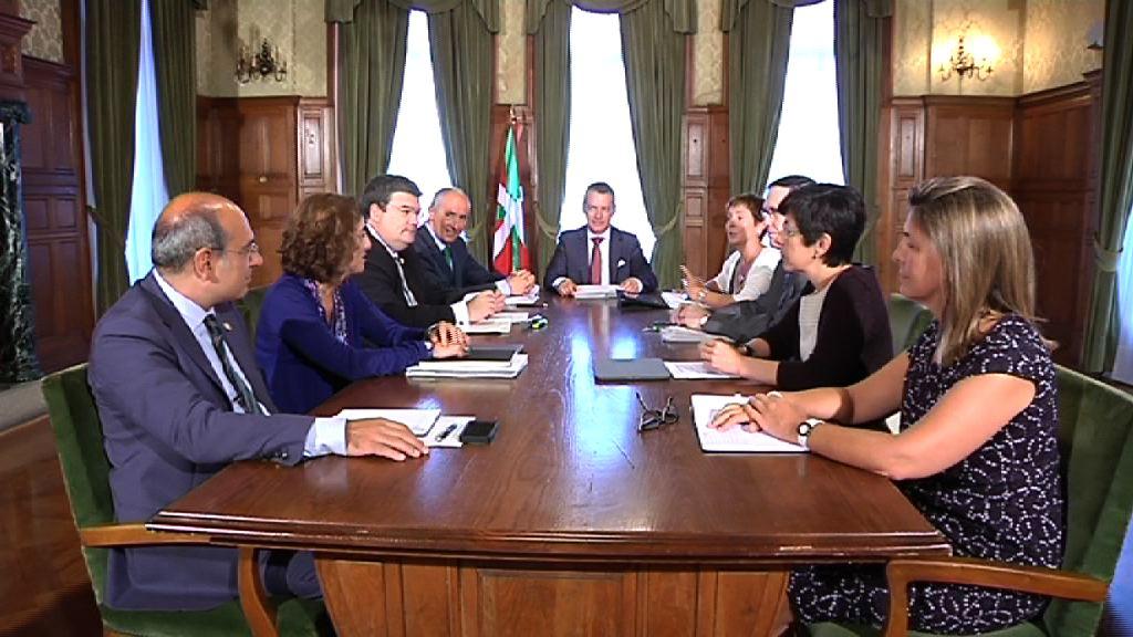 El Gobierno Vasco celebra el primer Consejo de Gobierno del nuevo curso político [75:04]