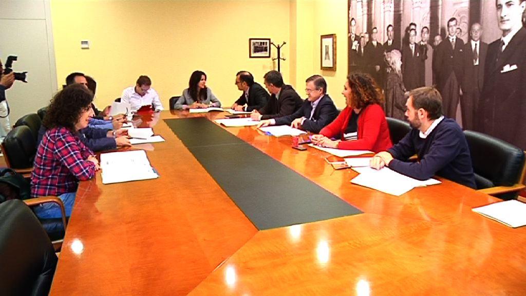 El Gobierno entrega al Consejo Vasco de Participación de Víctimas el informe de actuaciones en materia de víctimas [0:54]