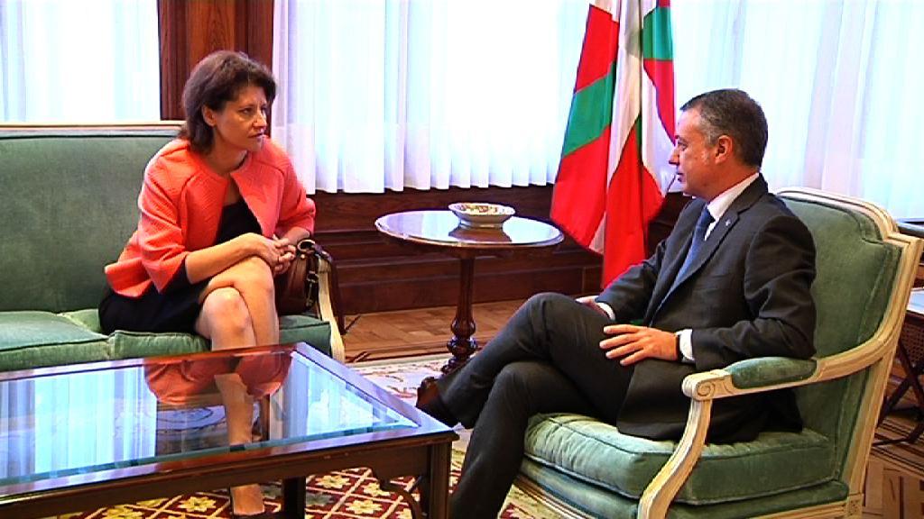 Lehendakariak Lituaniako enbaxadorea hartu du [0:51]