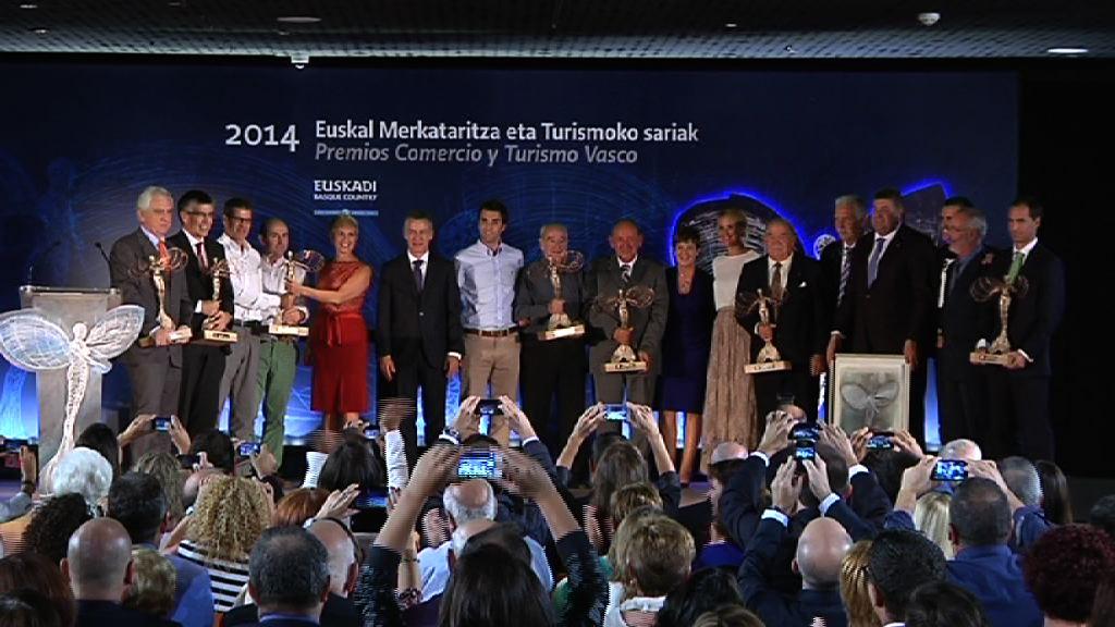 El Gobierno Vasco entrega los premios Comercio y Turismo 2014 [13:32]