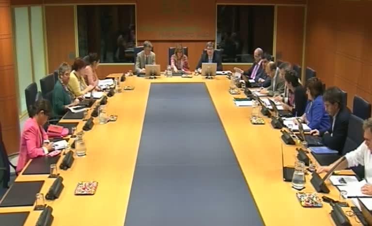 Comisión de Empleo, Políticas Sociales y Vivienda (13/10/2014) [225:41]