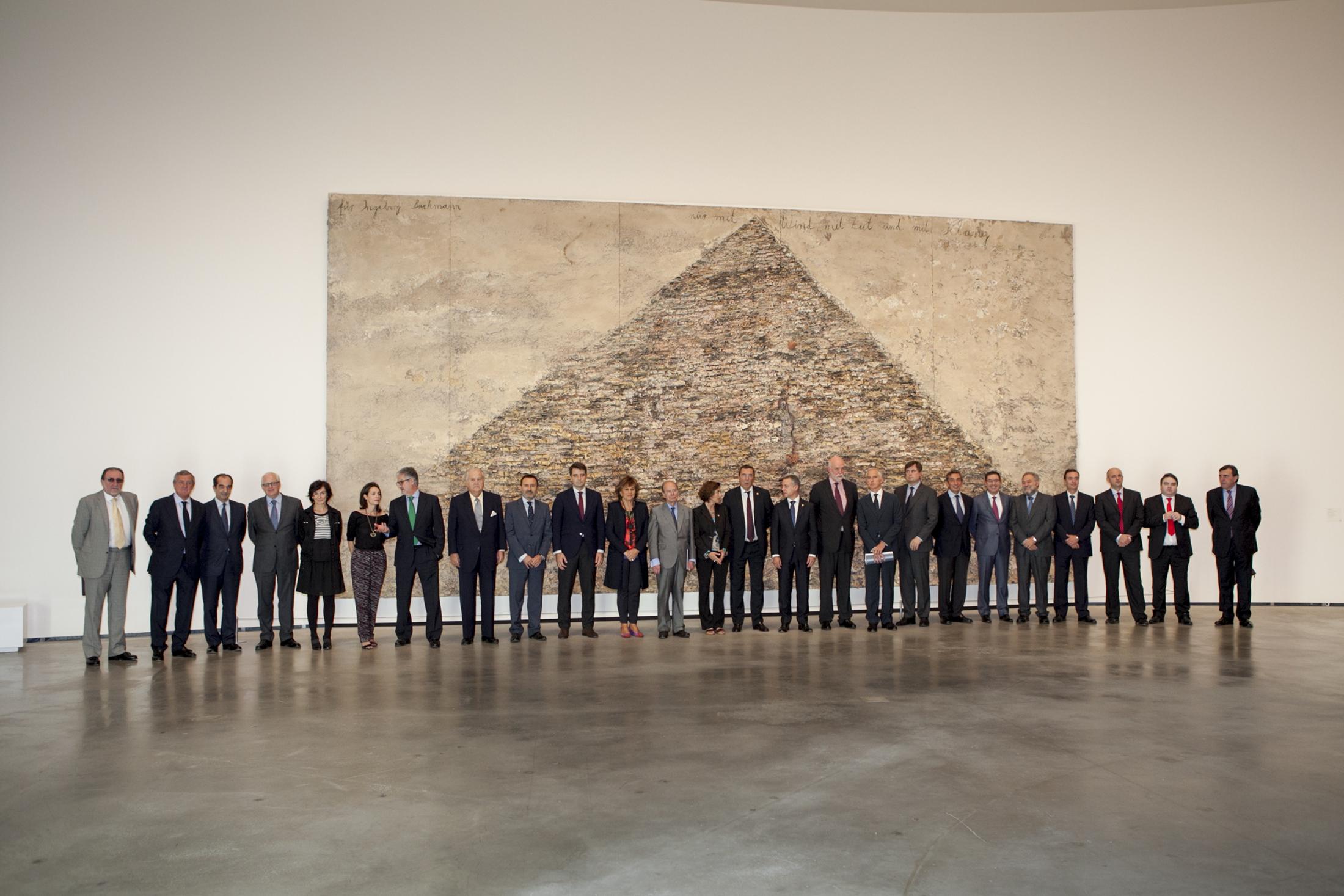El lehendakari asiste a la reunión del Patronato del Museo Guggenheim Bilbao [1:21]