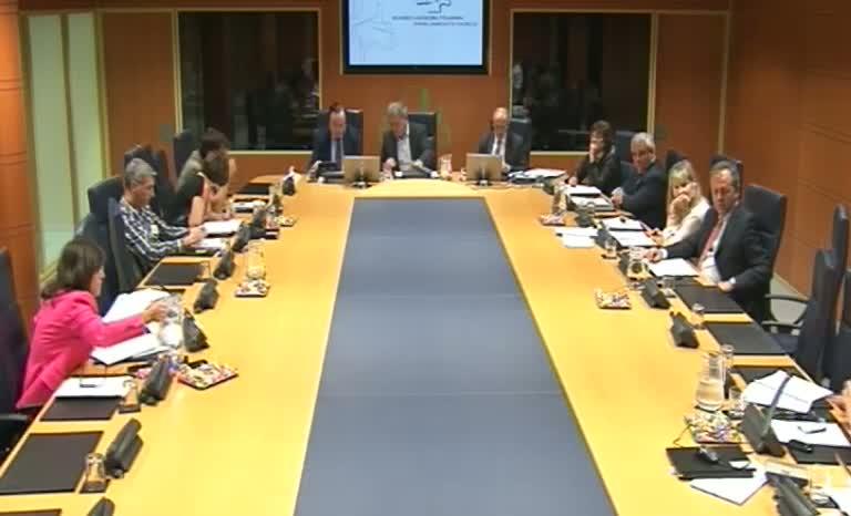 Eusko Jaurlaritzak Justizia Ministro berriari eskatuko dio aurreko Ministroak iragarri zuen Erregistro zibilen probatizazioa berriz azter dezala [135:33]