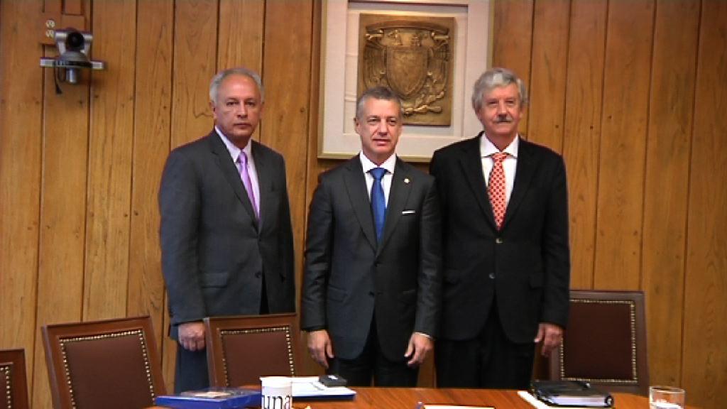 Lehendakariak Euskadi munduan kokatu du,Mexikoko Unibertsitatean eman duen hitzaldi batean [21:48]