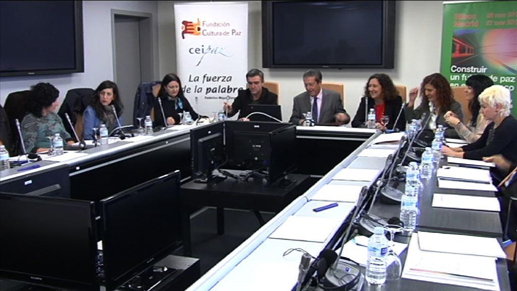 Jonan Fernandez participa en un encuentro sobre la consolidación de la paz y la convivencia en Euskadi [5:15]