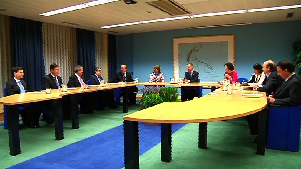 """El lehendakari recibe a una delegación de Chile que participa en el experiencia """"Euskadi Learning Tour"""" [7:24]"""