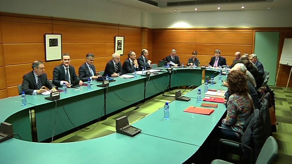 Gobierno Vasco, CONFEBASK, UGT y CC.OO. constituyen la Mesa de Diálogo Tripartito [47:04]