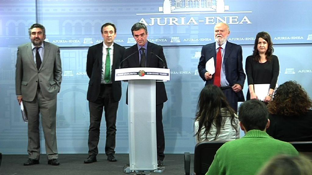 El Gobierno vasco presenta el Informe sobre atentados con resultado de muerte no esclarecidos, perpetrados por organizaciones terroristas [38:20]