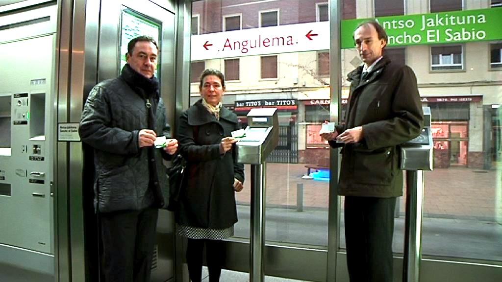 """Oregi: """"El tranvía de Vitoria-Gasteiz da un nuevo paso ampliando el uso de más tarjetas de transporte"""" [10:12]"""