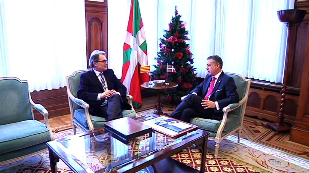 El lehendakari se reúne con el president Artur Mas [2:07]