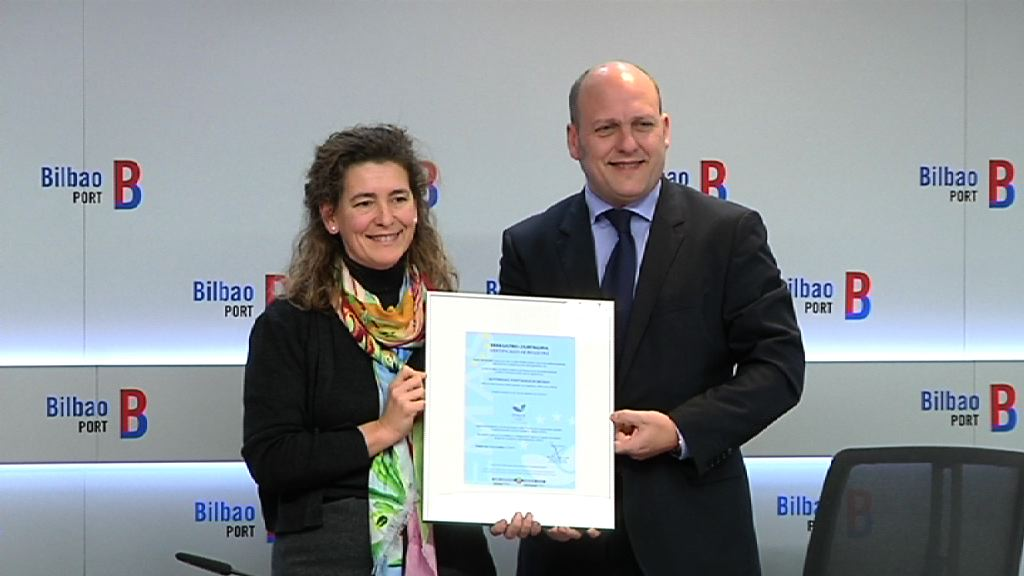 Oregi entrega a la Autoridad Portuaria de Bilbao la certificación medioambiental EMAS [4:06]