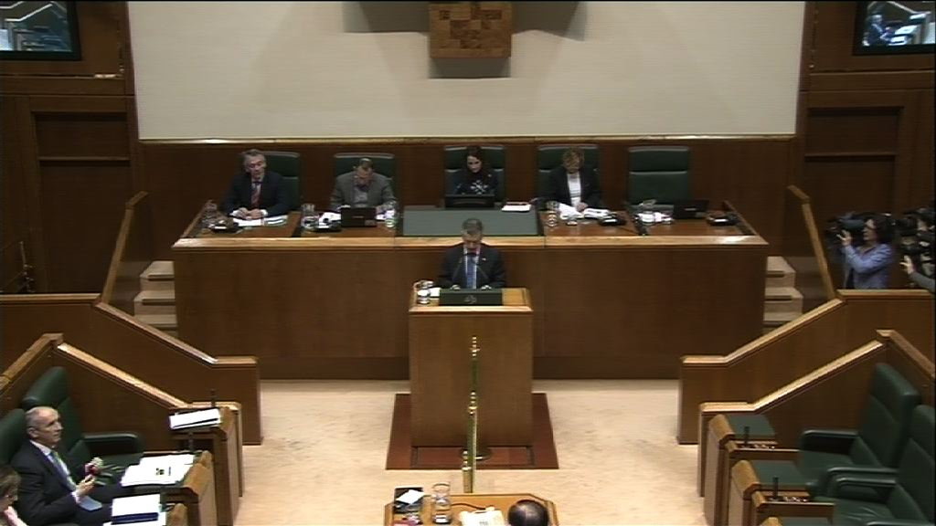 El Gobierno responde a los grupos parlamentarios en el Pleno de Control [281:26]