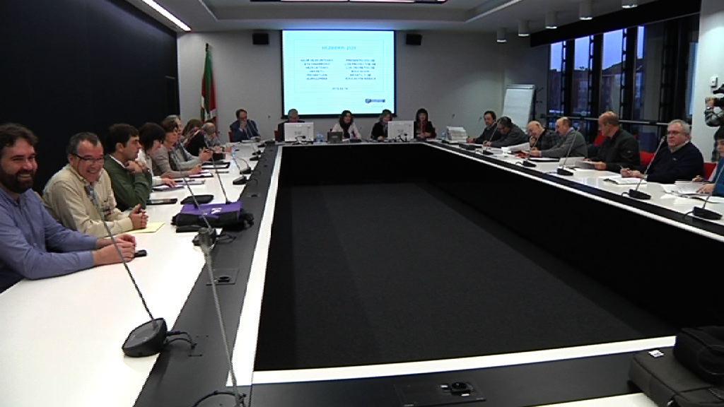 El Gobierno Vasco presenta las líneas curriculares de infantil y educación básica de Heziberri 2020 con la participación de la comunidad educativa [30:22]