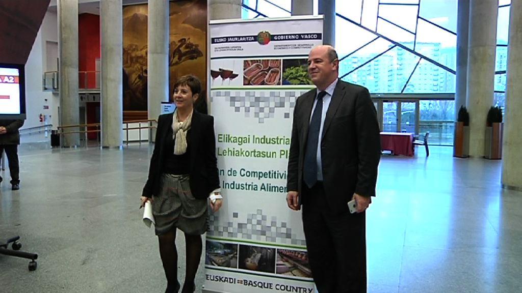 El Gobierno Vasco comparte con el sector  el plan de competitividad para la industria agroalimentaria de Euskadi [26:22]