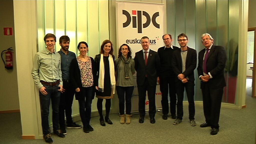 Lehendakaria Donostia International Physics Center-en izan da ikerketa proiektuak ezagutzen [2:53]