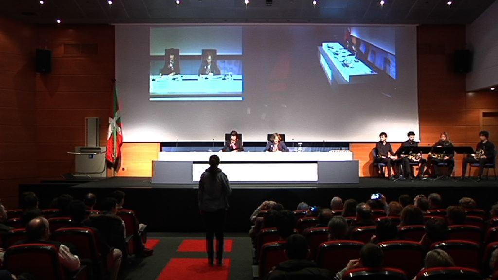 El Gobierno Vasco entrega los Premios Extraordinarios de Bachillerato 2013-2014 [26:23]