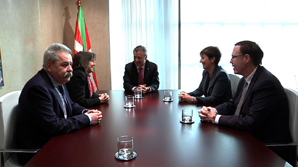 El lehendakari se reúne con responsables de Siemens [1:17]