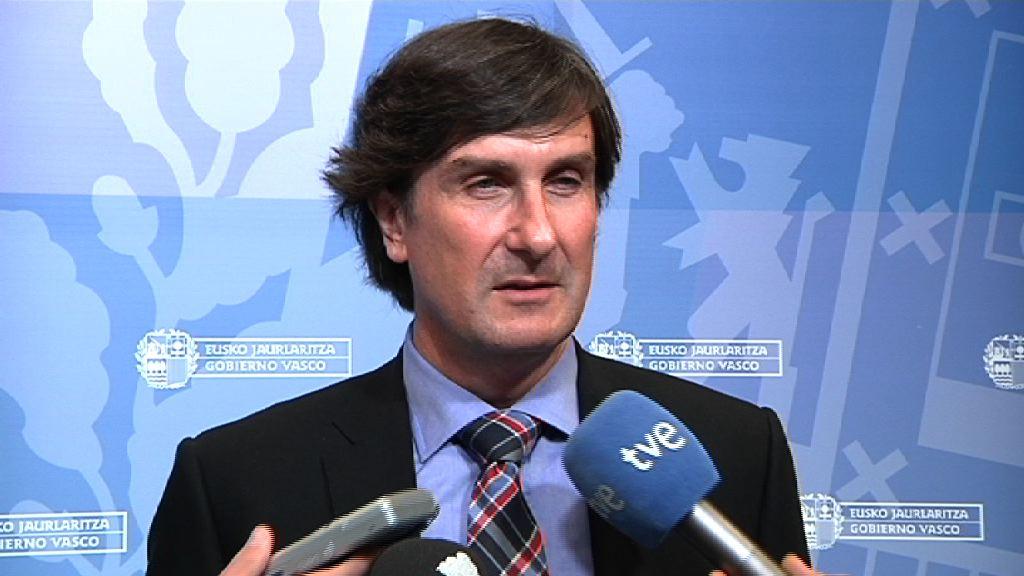 """El Gobierno propone que las Administraciones Públicas de Euskadi puedan realizar """"procesos especiales de consolidación de empleo"""" para el profesional interino, laboral temporal o indefinido no fijo por sentencia [0:00]"""