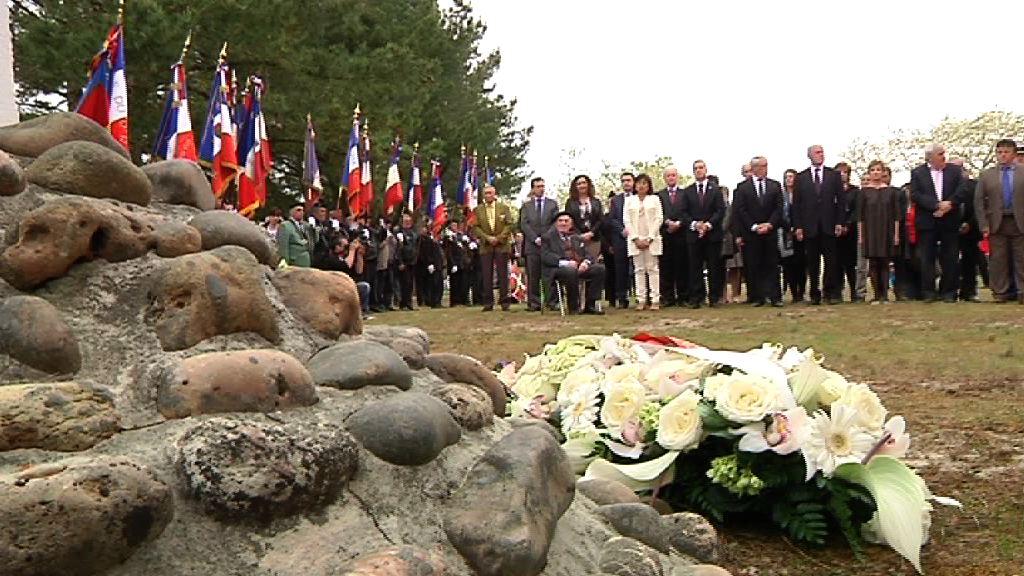 El lehendakari rinde homenaje a los gudaris del Batallón Gernika en el 70 aniversario de la batalla de la Pointe de Grave  [6:52]
