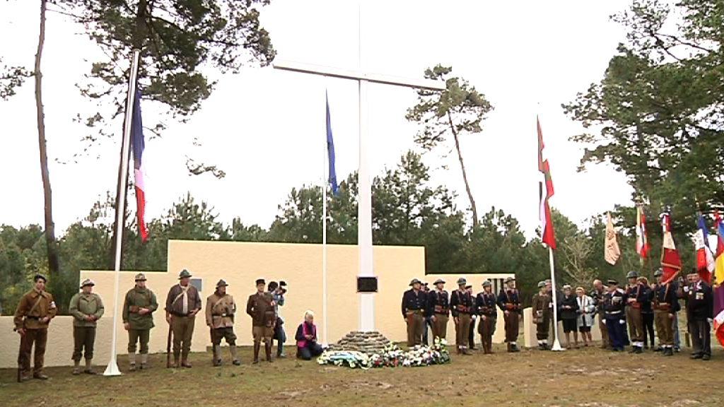 El lehendakari rinde homenaje a los gudaris del Batallón Gernika en el 70 aniversario de la batalla de la Pointe de Grave  [1:08]