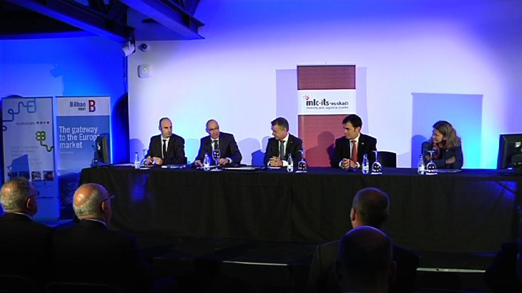 El lehendakari propone un nuevo marco del transporte que favorezca la gestión de operaciones internacionales [4:29]