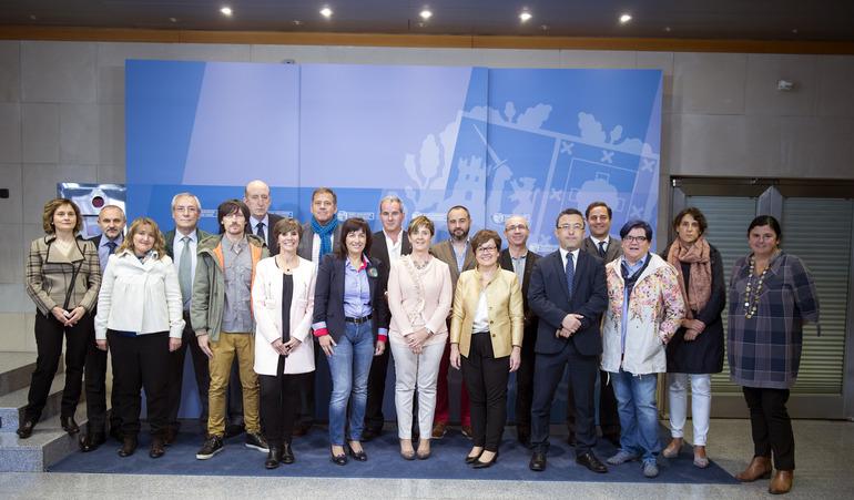 Tapia preside la constituación de la Mesa de Turismo de Euskadi que actualiza la participación del sector