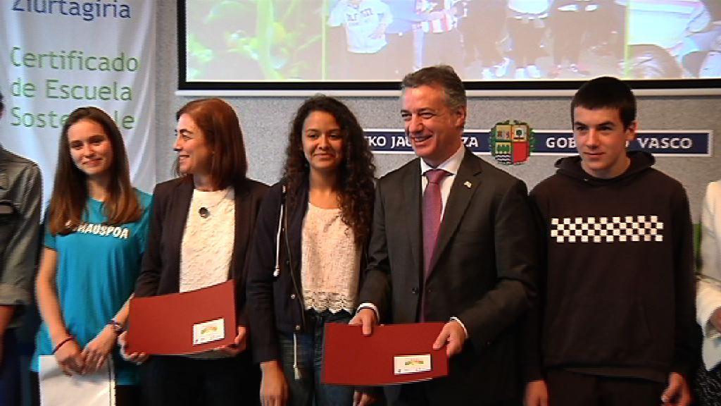 Entrega de los certificados de escuelas sostenibles [4:42]