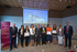 El lehendakari entrega Francisco Góngora, del diario El Correo, el premio de Periodismo Ambiental del País Vasco