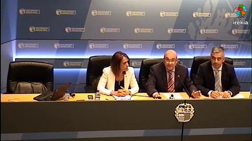 Rueda de prensa conjunta, en materia de Política Lingüística, tras la reunión Euskadi-Cataluña-Galicia [55:50]