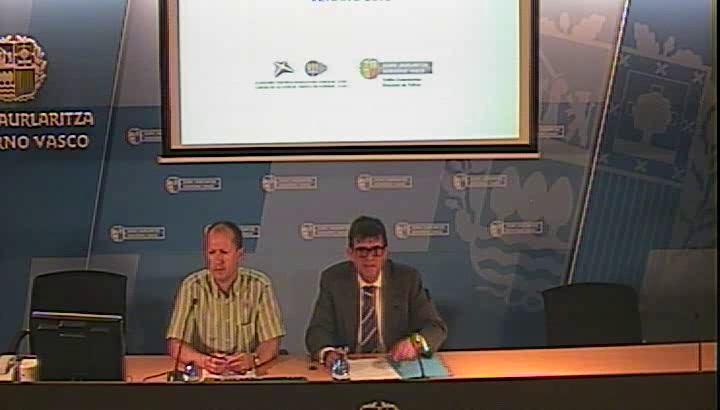 La Dirección de Tráfico del Gobierno Vasco estima que durante la Operación Verano podrán circular hasta 3.350.000 vehículos por la CAE [57:55]