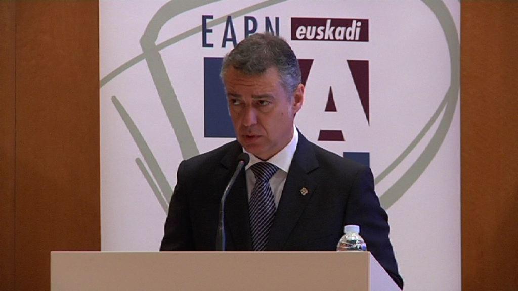 """El lehendakari apuesta por """"reconstruir puentes"""" para recuperar el consenso en torno a la política de garantía de ingresos que ha mitigado los efectos de la crisis en Euskadi [13:54]"""