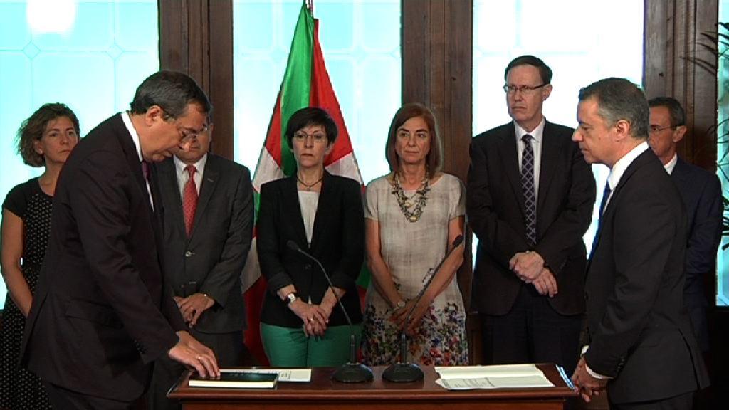 """El lehendakari subraya la """"honestidad, profesionalidad y actitud responsable"""" del presidente y vicepresidente del Tribunal Vasco de Cuentas Públicas [5:16]"""