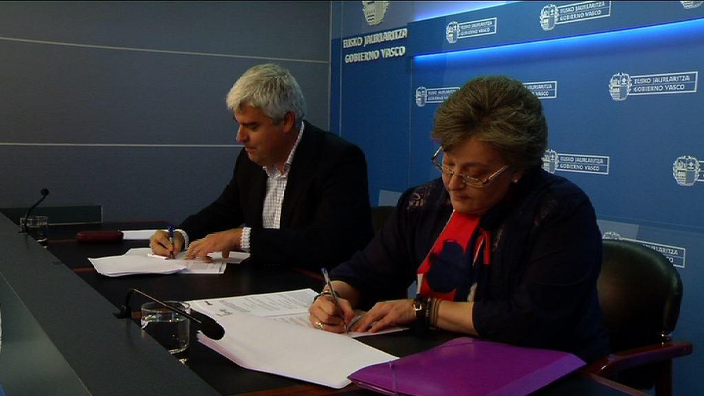 Eusko Jaurlaritzak eta Euskadiko GGKEen Koordinakundeak hitzarmena sinatu dute [28:35]
