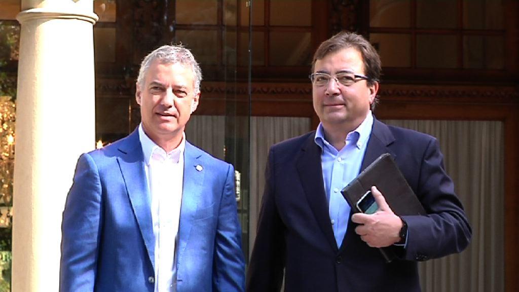 El lehendakari recibe al presidente de Extremadura en Ajuria Enea [1:18]