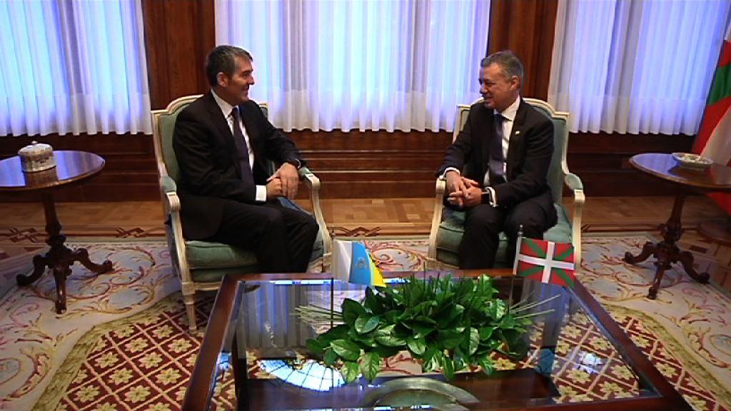 El lehendakari y el presidente de Canarias defienden un modelo de Estado en el que se respeten las singularidades las comunidades autónomas [1:11]