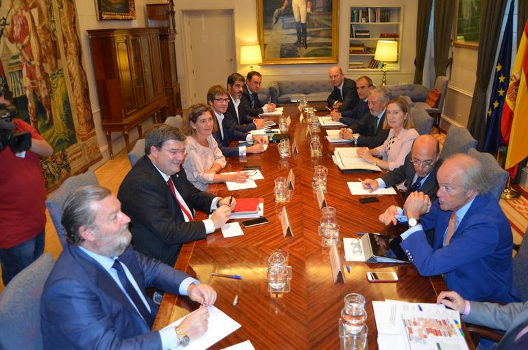 Gobierno Vasco, Ministerio de Fomento y Ayuntamientos de Bilbao, Donostia y Vitoria-Gasteiz consensuarán antes de fin de año los proyectos de acceso a las capitales vascas